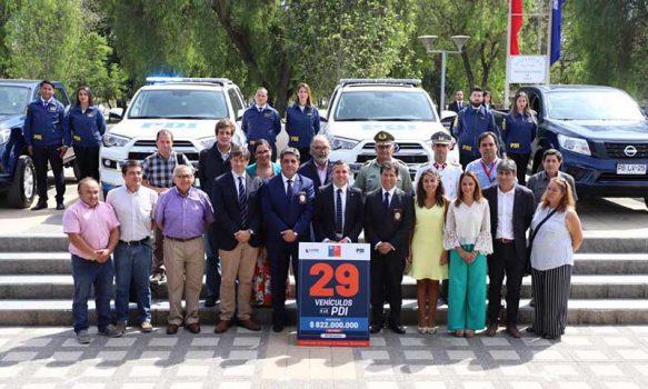 Gobierno regional entregó 14 nuevos vehículos a la PDI