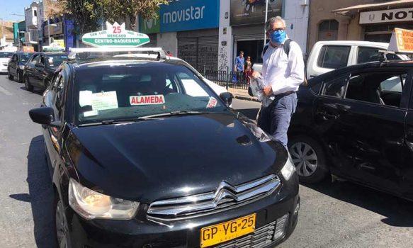 Alcalde Eduardo Soto lidera entrega más de mil mascarillas reutilizables a choferes de colectivos