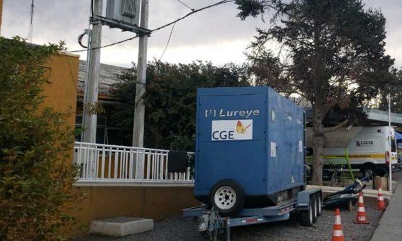 CGE dispone generadores para asegurar suministro eléctrico a 47 hospitales del país