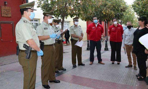 Gobernador de Cachapoal y Coordinadora de Seguridad Pública se reúnen con vecinos y locatarios