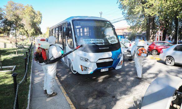 Graneros desinfecta sus principales calles y transporte público