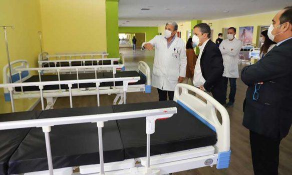 Llegan primeras 50 camas a Hospital de Campaña en Polideportivo del Estadio El Teniente