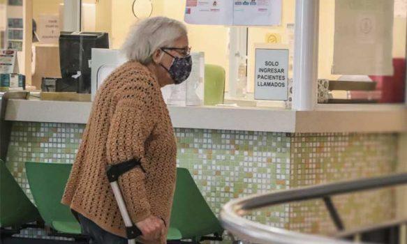 El drama de los adultos mayores que se encuentran en cuarentena total