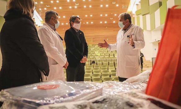 El Teniente entrega insumos de seguridad a trabajadores de la salud de la región