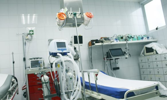 Hospital de Santa Cruz refuerza equipamiento respiratorio