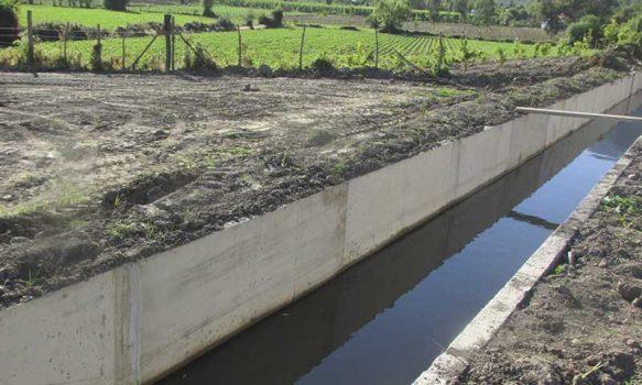 Pequeños agricultores pueden postular a programa para mejorar obras de riego