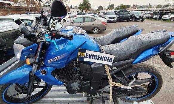 Detienen a sujeto que tenía dos motocicletas robadas en Santiago