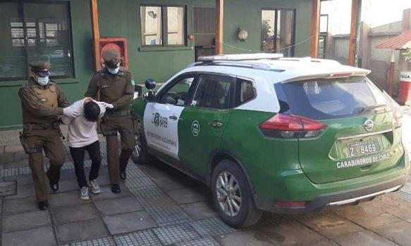 Carabineros detuvo a sujeto que sustrajo especies al interior de un automóvil