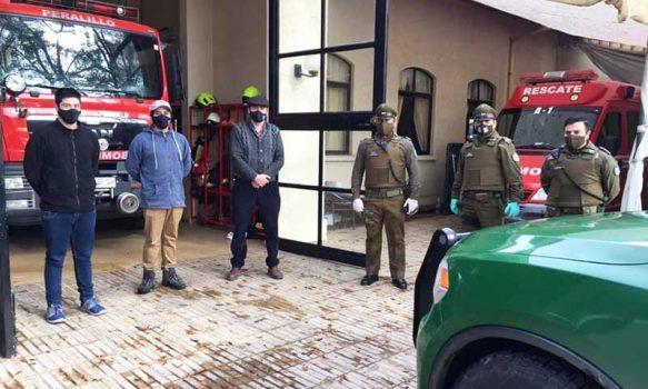 Carabineros saluda a bomberos