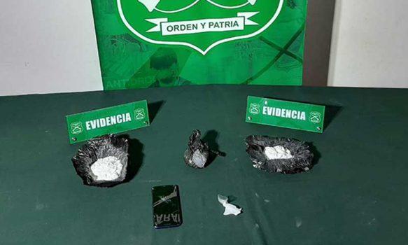 """""""Demon"""" detectó cocaína y pasajero escondido en bus interurbano"""