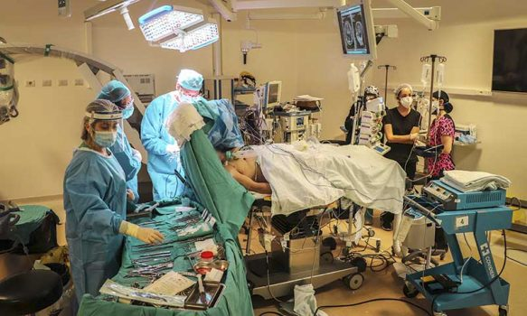 Hospital Regional realiza con éxito su segunda operación cerebral con paciente despierto