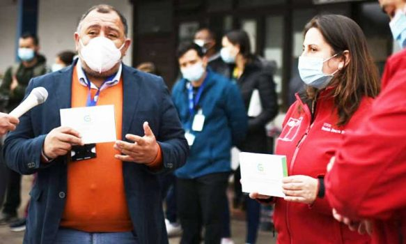 Médicos granerinos son capacitados para tomar examen contra el covid-19