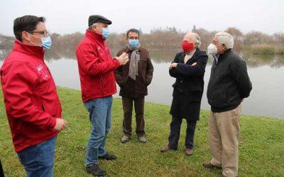 Ministro Walker visita centro de investigación y desarrollo agrícola en la región de O'Higgins