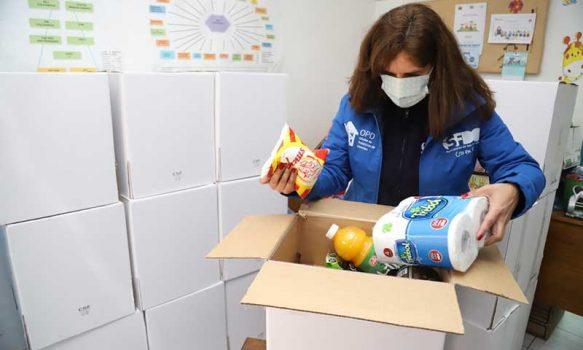 OPD Colchagua entrega cajas con mercadería a usuarios