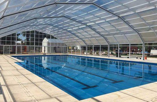 Autoridades regionales estudian factibilidad para climatizar piscina de Rengo y construir un velódromo en Pichidegua