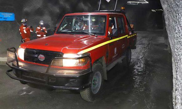 Codelco estrena la primera camioneta eléctrica minera de la industria local