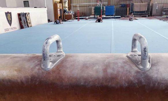 Mindep e IND entregan oficialmente nuevo tapete para la gimnasia artística en Santa Cruz