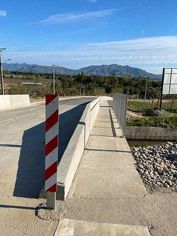 Seremi MOP O'Higgins y alcalde de la comuna entregan a uso público nuevo puente La Cornellana