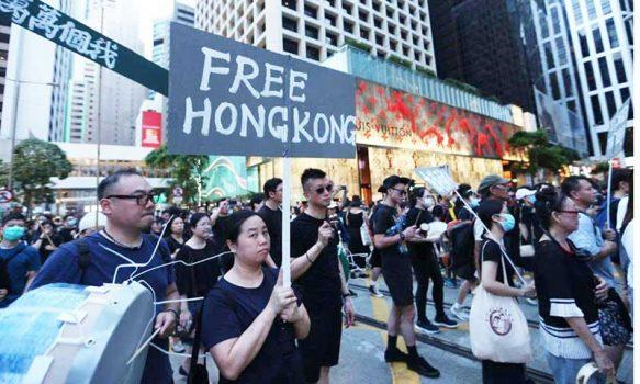 Académico UOH publicó investigación sobre protestas en Hong Kong en revista de Oxford University