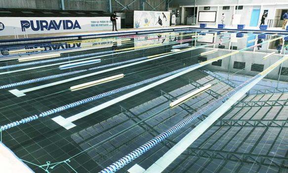 Autoridades regionales revisan protocolos para el regreso de las piscinas en Pichilemu