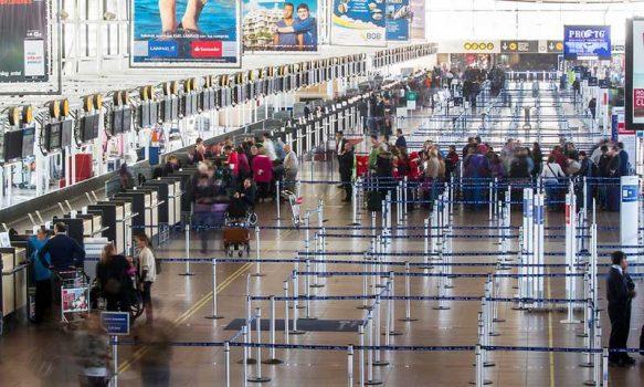 Expertos llaman a extremar medidas preventivas ante la apertura de fronteras para extranjeros