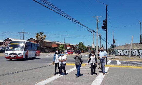 Municipalidad pone en funcionamiento esperado semáforo en República de Chile con Bombero Villalobos