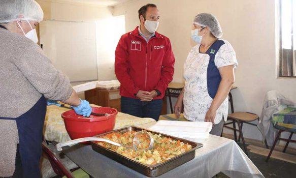 Programa del Fosis apoyará a organizaciones sociales que han trabajado por sus comunidades en la pandemia