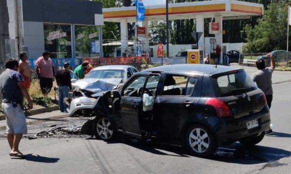 Requínoa: Accidente automovilístico frente a bomba Shell