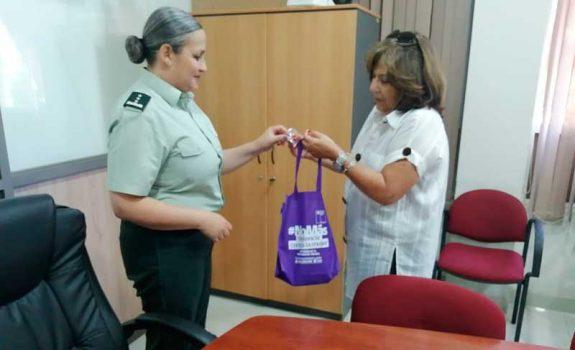 Directora regional de Gendarmería O'Higgins recibe visita de seremi de la Mujer