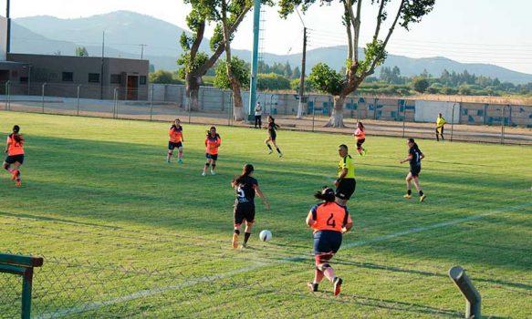 En pleno desarrollo encuentros amistosos de fútbol verano Palmilla 2021