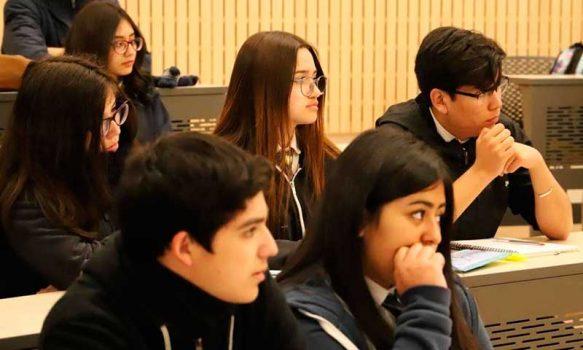 """Estudiantes PACE fueron orientados por la Escuela de Educación UOH en """"el llamado de la vocación Docente"""""""