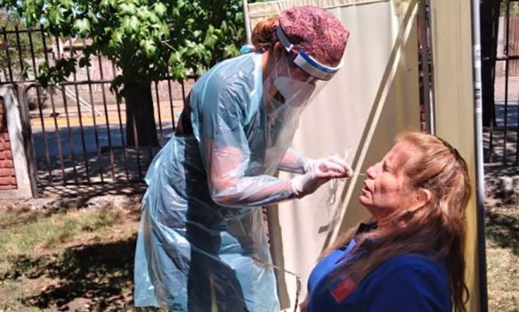 Hospital de Coinco realiza toma de exámenes PCR en el Registro Civil