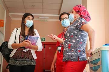 Directora nacional de Matronería visitó instalaciones del Hospital Regional