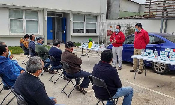 En Pichilemu Mtt O'Higgins comenzó entrega de mascarillas, alcohol gel y amonio cuaternario para taxistas de la región