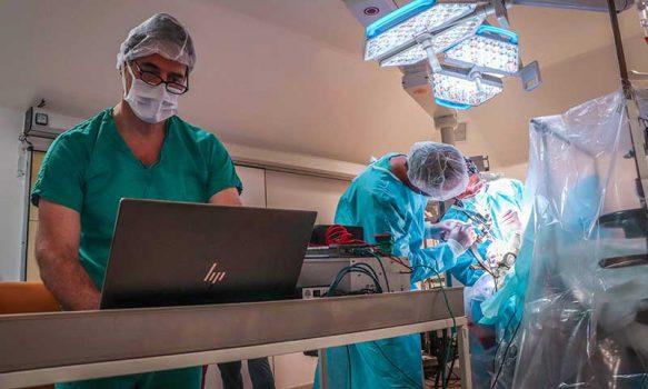Hospital Regional realizó primera cirugía a paciente con párkinson en O'Higgins