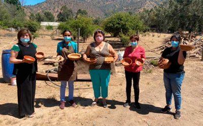 La magia de trabajar la greda de la Agrupación de Artesanas de Nerquihue