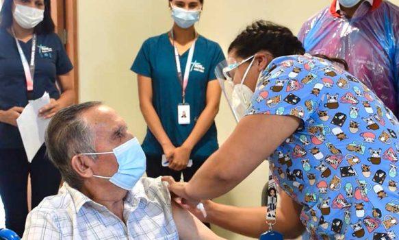 Seremi de Salud llama a adultos mayores rezagados de 65 años y más con o sin enfermedades crónicas a vacunarse