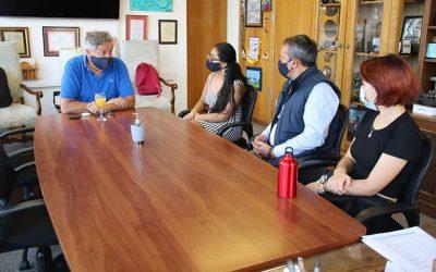 Ex alumna del liceo de Niñas recibe reconocimiento de alcalde de Rancagua por sus altos puntajes en PTU 2021