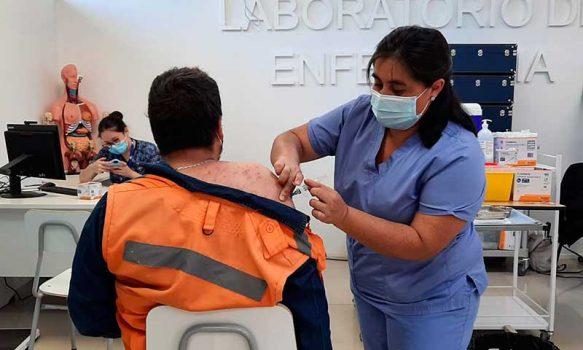 Graneros no suspende vacunación contra el COVID-19 a pesar de la cuarentena