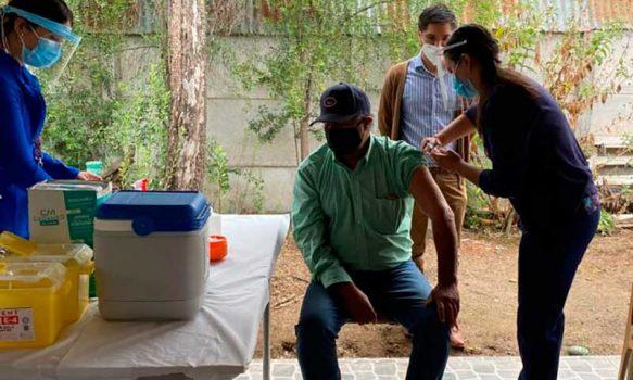 Hospital de Marchigüe avanza en vacunación contra el SARS-CoV-2