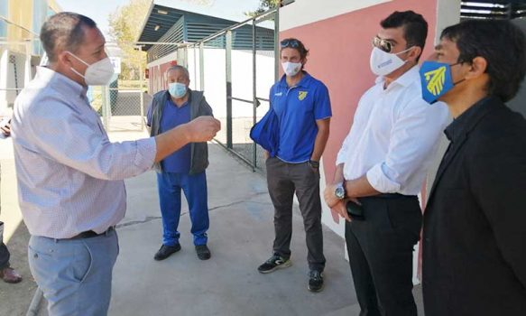 Autoridades regionales revisan protocolos para que club Barnechea sea local en Mostazal