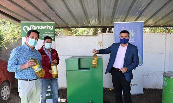 """Campaña """"Toma la Sartén por el Mango"""": Inauguran puntos de reciclaje de aceite vegetal en Machalí y Coya"""
