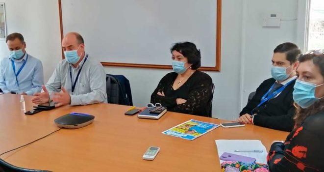 Directivos y funcionarios de Rengo y Pichilemu conocen sistema APP para construir los nuevos hospitales