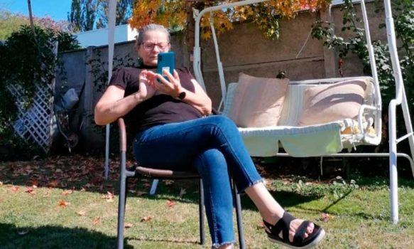 Prodemu entrega celulares inteligentes para dar herramientas digitales a 83 mujeres