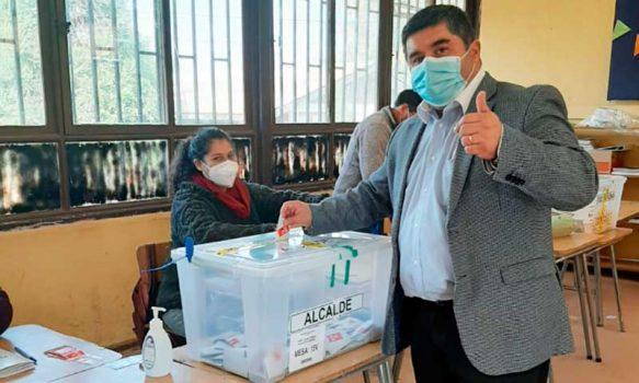 Docente de profesión y concejal por dos periodos es el nuevo alcalde electo de la comuna de Las Cabras