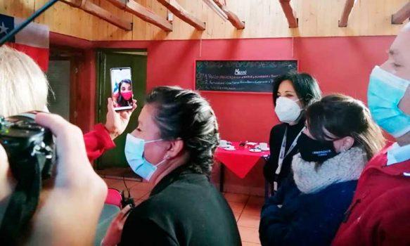 Emprendedora de Coínco sostiene video llamada con ministra Rubilar y Presidente Piñera