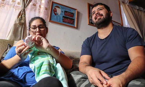 Madre dio a luz justo antes de ser asistida con ventilación mecánica por COVID-19