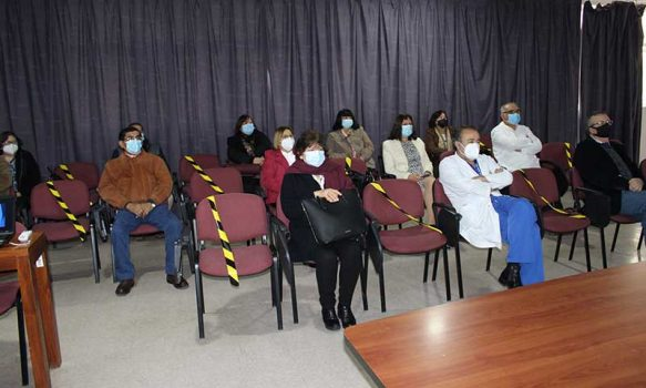 Despiden a funcionarios acogidos a retiro en Hospital Santa Cruz