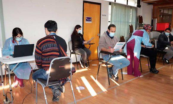 Funcionarios del Servicio de Salud O'Higgins participan de forma voluntaria en operativo de sangre