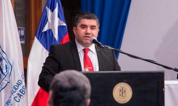 Juan Pablo Flores Astorga asumió como alcalde de Las Cabras junto al nuevo Concejo Municipal